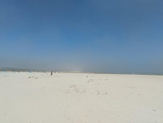 Vento forte e neblina em Cacela Velha